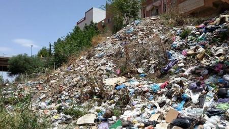 Photo of خنيفرة / متى ينخرط المجلس البلدي في عملية نظافة ضفاف أم الربيع ..؟ + فيديو