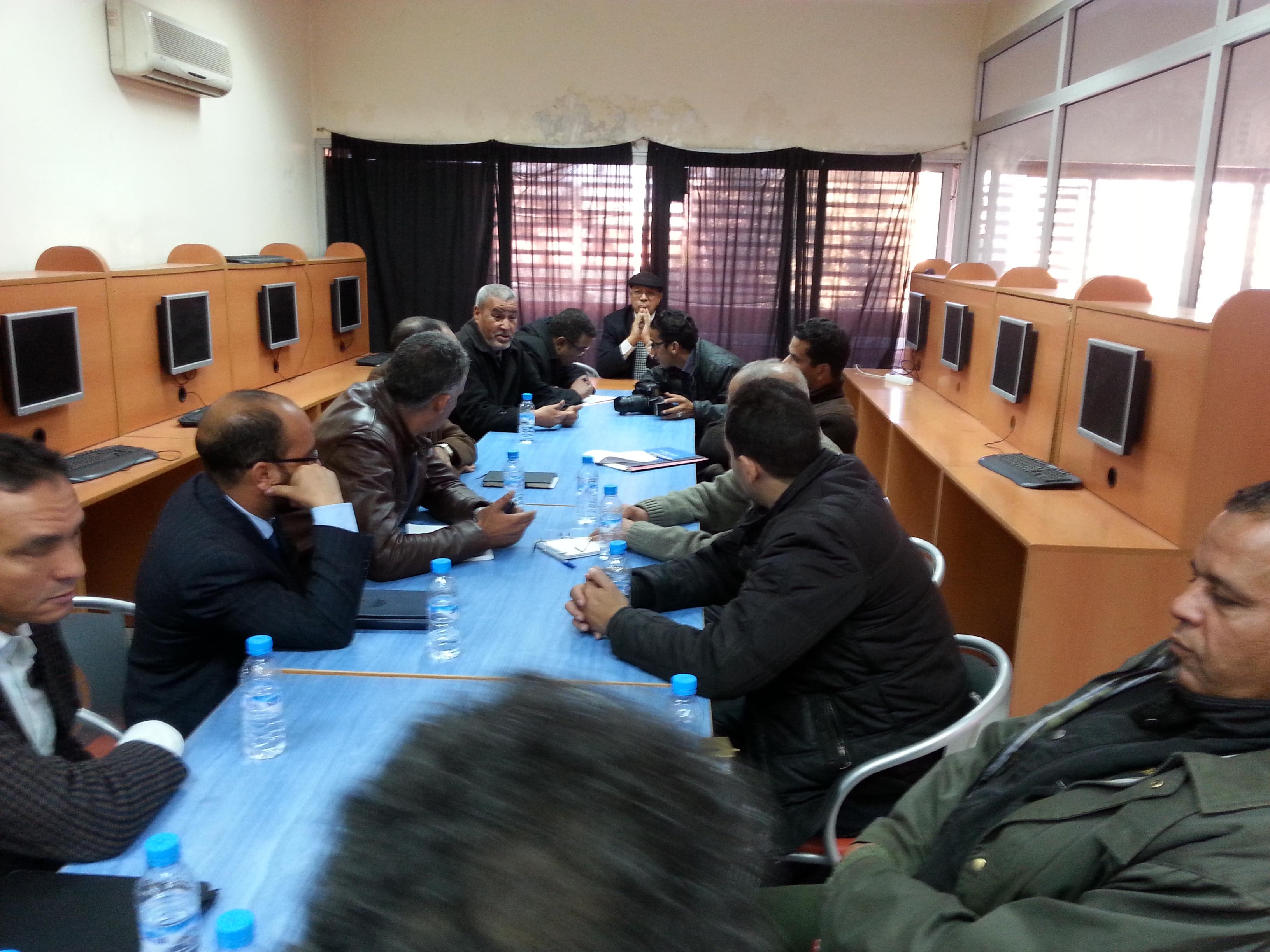 Photo of الفرع الإقليمي للنقابة المستقلة للصحافيين المغاربة بمراكش يناقش مدونة الصحافة والنشر