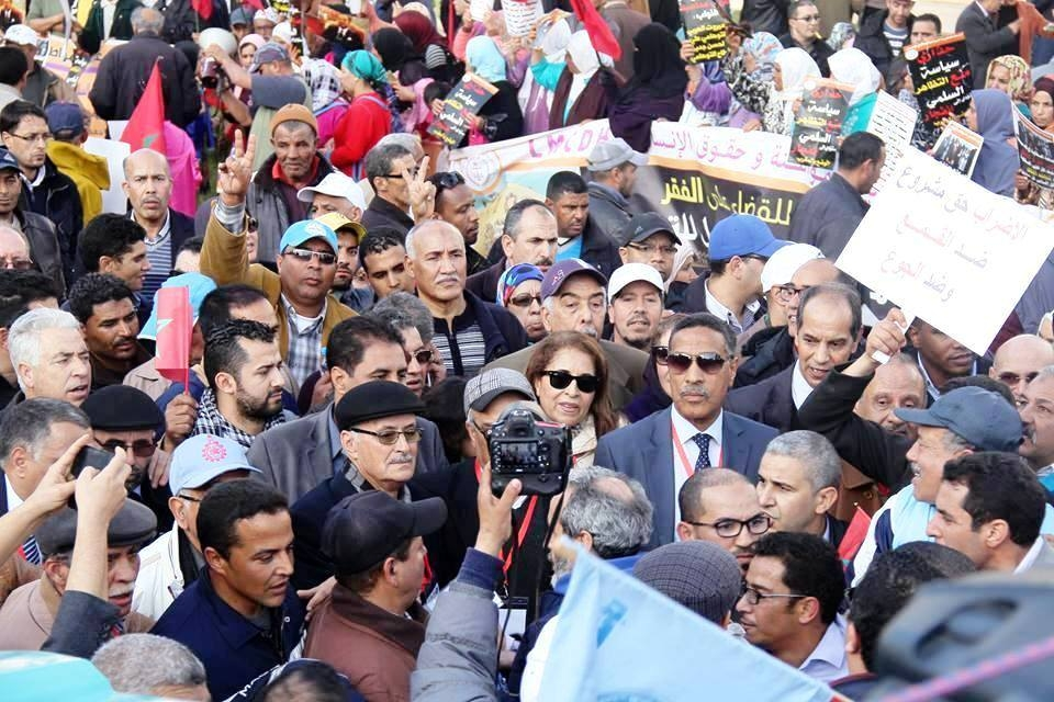 Photo of بعد الوقفة الاحتجاجية المركزيات النقابية الأربع قريبا في إضراب عام وطني