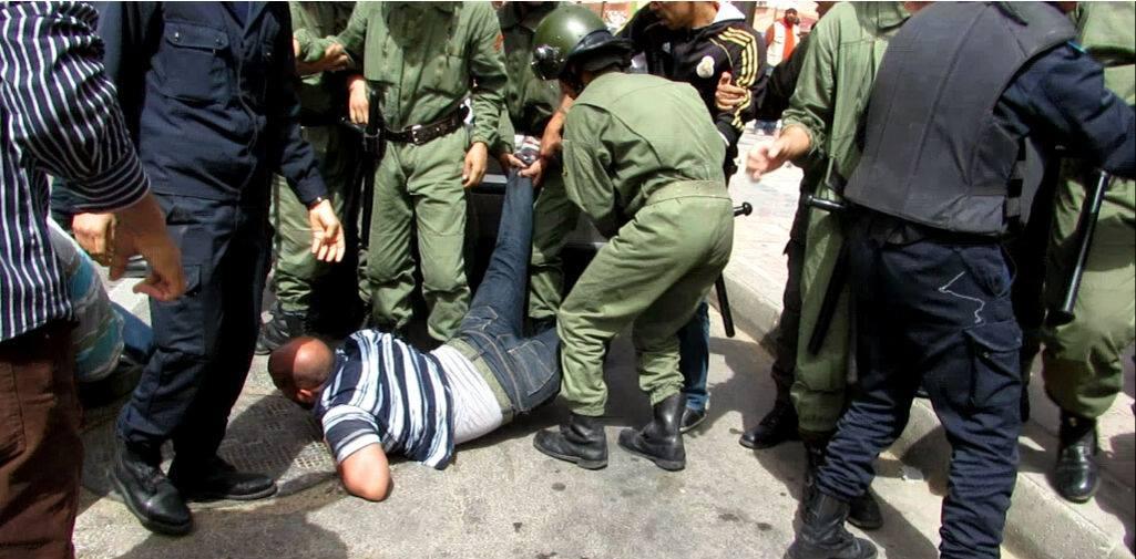 Photo of إعتداءات أمنية عنيفة ضد المعطلين بالعيون تخلف حصيلة ثقيلة من المصابين