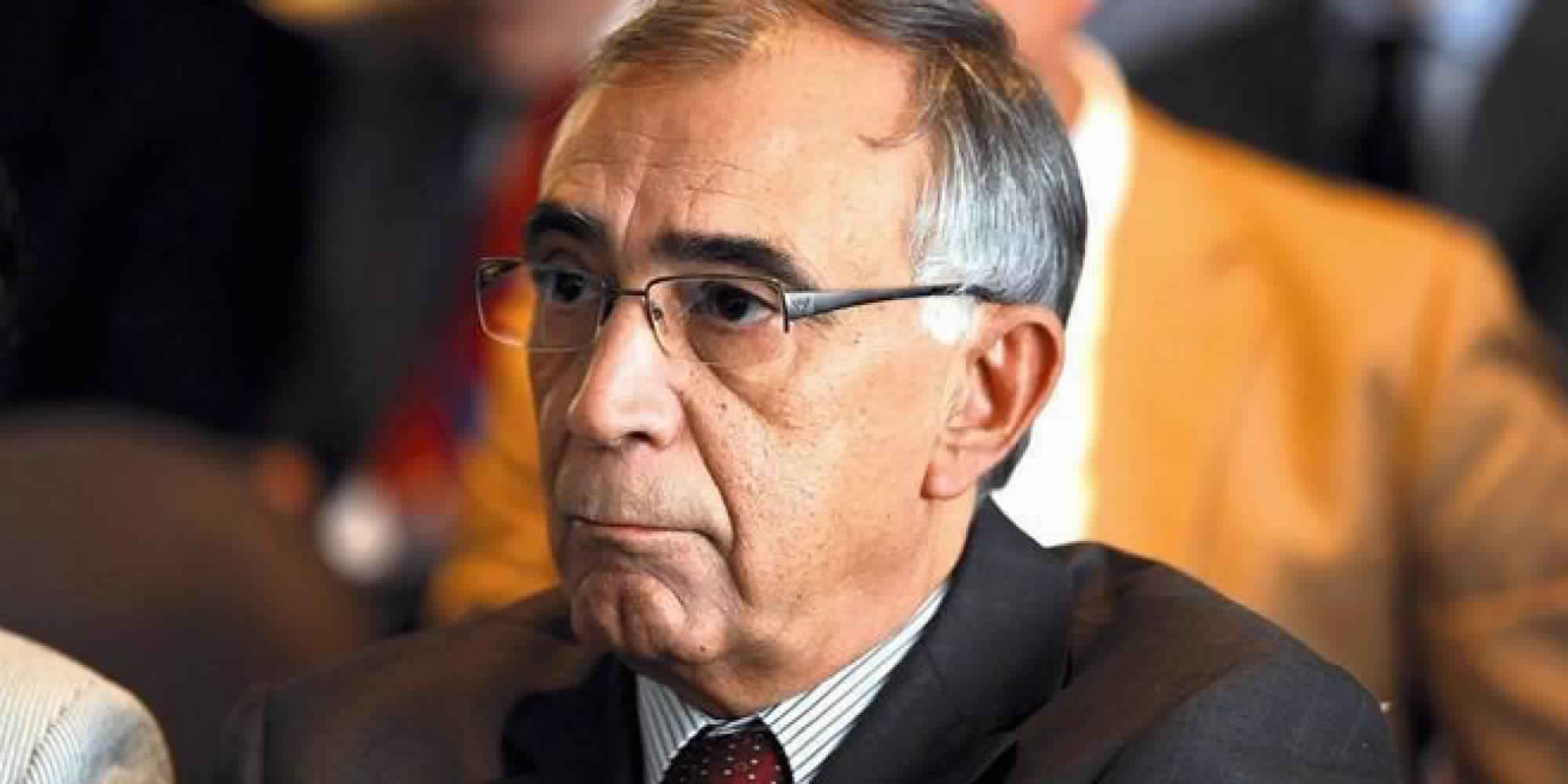 Photo of لا يا عزيمان .. الإصلاح التعليمي لا يبدأ من إلغاء مجانيته ..!