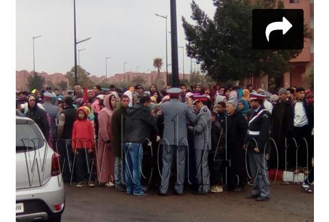 Photo of احتجاجات تقود ساكنة شويطر إلى قطع الطريق وعامل الحوز يدخل على الخط