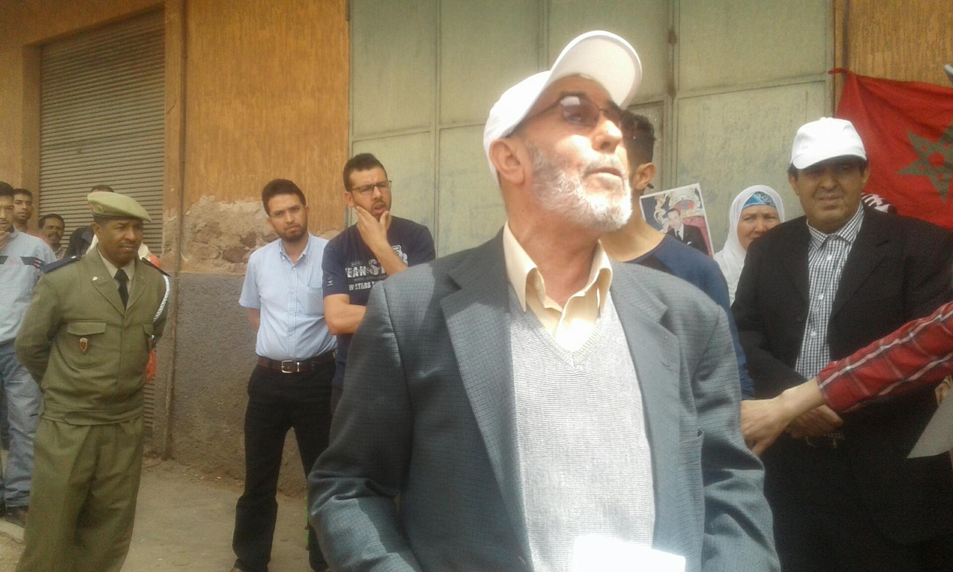 Photo of تنفيذ قرار قضائي بالإفراغ بحي أمالو إغريبن في حين يدعى المنفذ عليه امتلاكه للبيت ..!