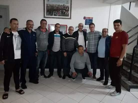 Photo of أمين بنهاشم يوافق على مواصلة قيادة فريق أولمبيك أسفي لكرة القدم