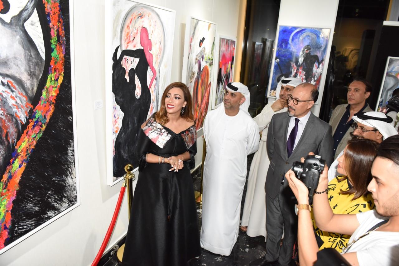 "Photo of افتتاح معرض ""الأندلس"" للفنانة التجريدية لمياء منهل"