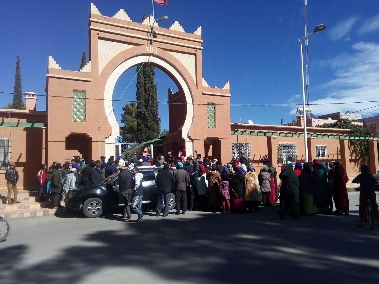 Photo of الريش / ساكنة حي بو يليلي  تخرج في مسيرة احتجاجية للمطالبة ببناء مدرسة