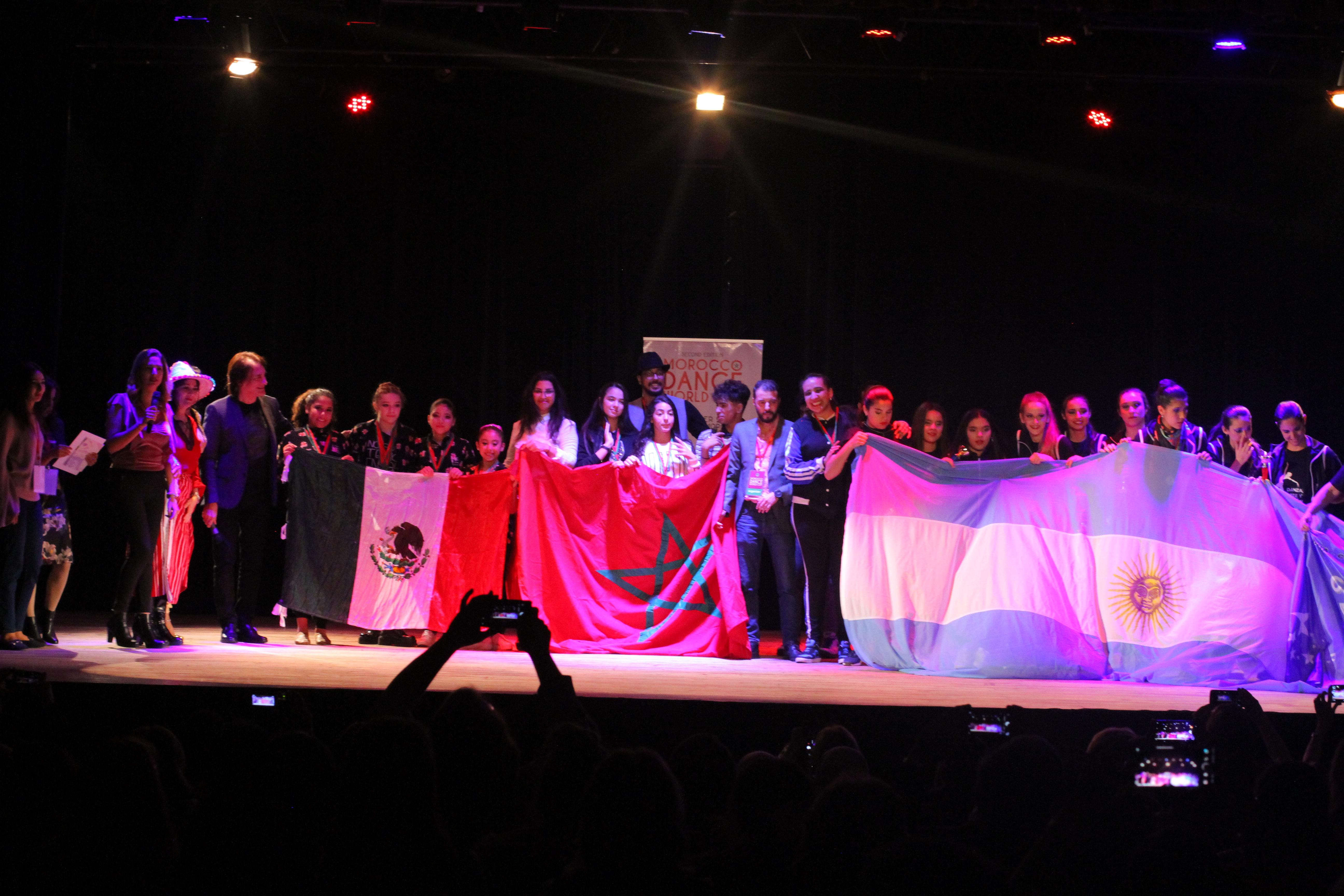 Photo of عروض رائعة في الرقص تمتع جماهير تطوان في تظاهرة دولية