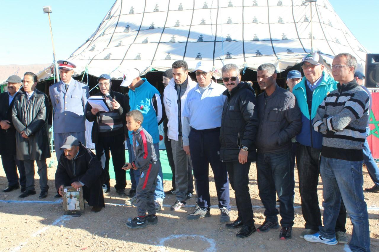 Photo of ثلاثية نادي الأمل الريش تفوز بكأس الدوري السنوي لنادي زيز للكرة الحديدية