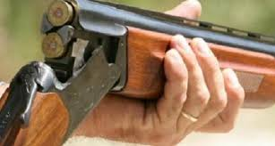 Photo of كليميم / إطلاق الرصاص من بندقية صيد يرسل عددا من الأشخاص إلى المستشفى وآخر إلى دار البقاء