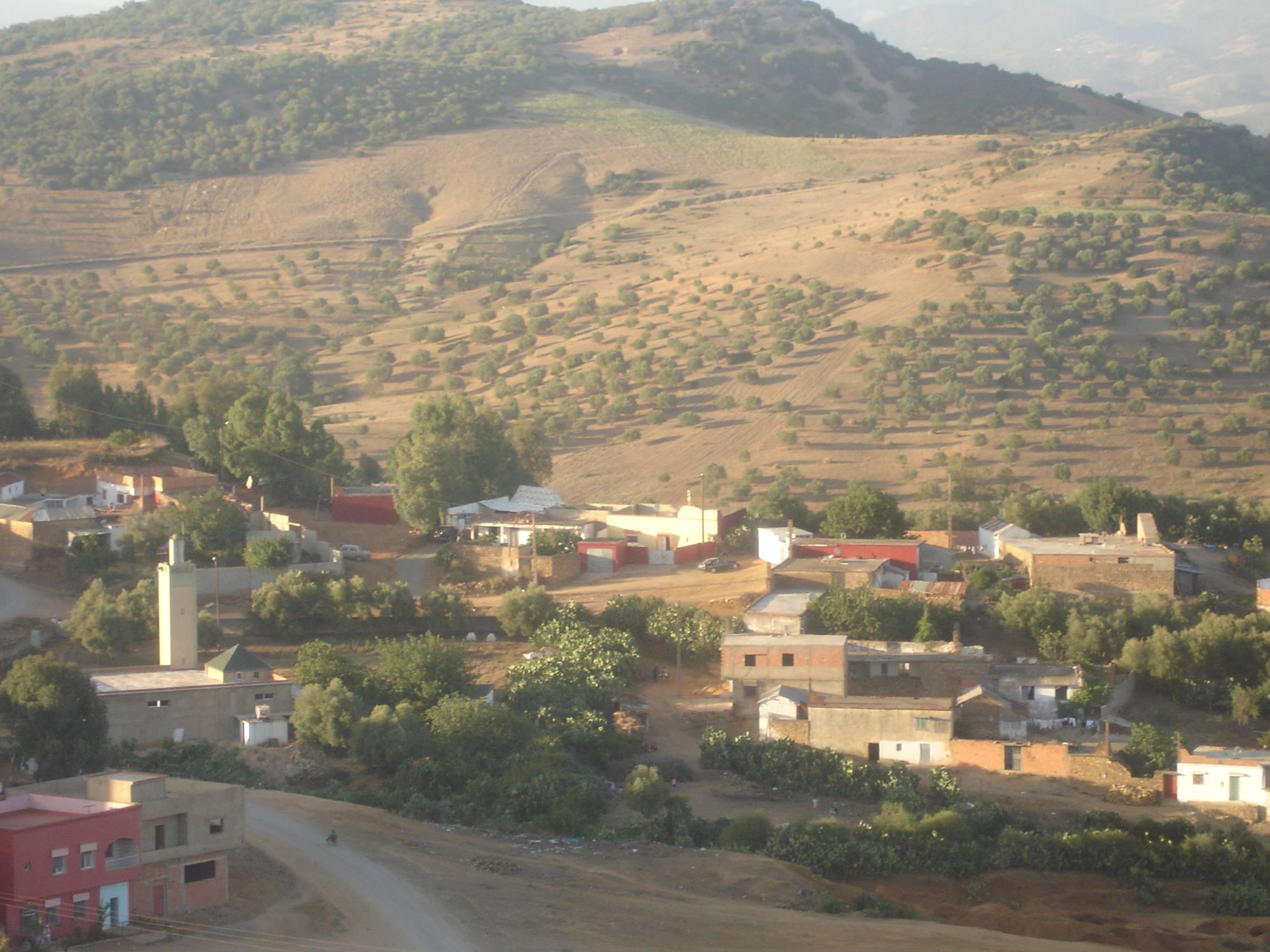 Photo of إقليم وزان / سكان دوار الرمال يطالبون بربط منازلهم  بشبكة الماء الصالح للشرب