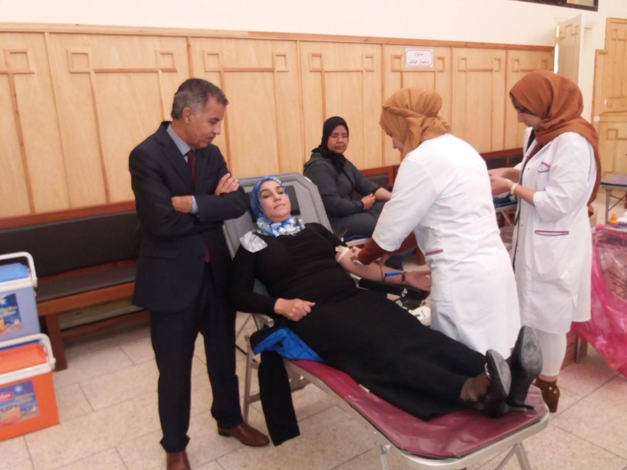 Photo of سوق السبت / أطر وموظفو  وأعوان وشركاء وزارة العدل يتبرعون بالدم