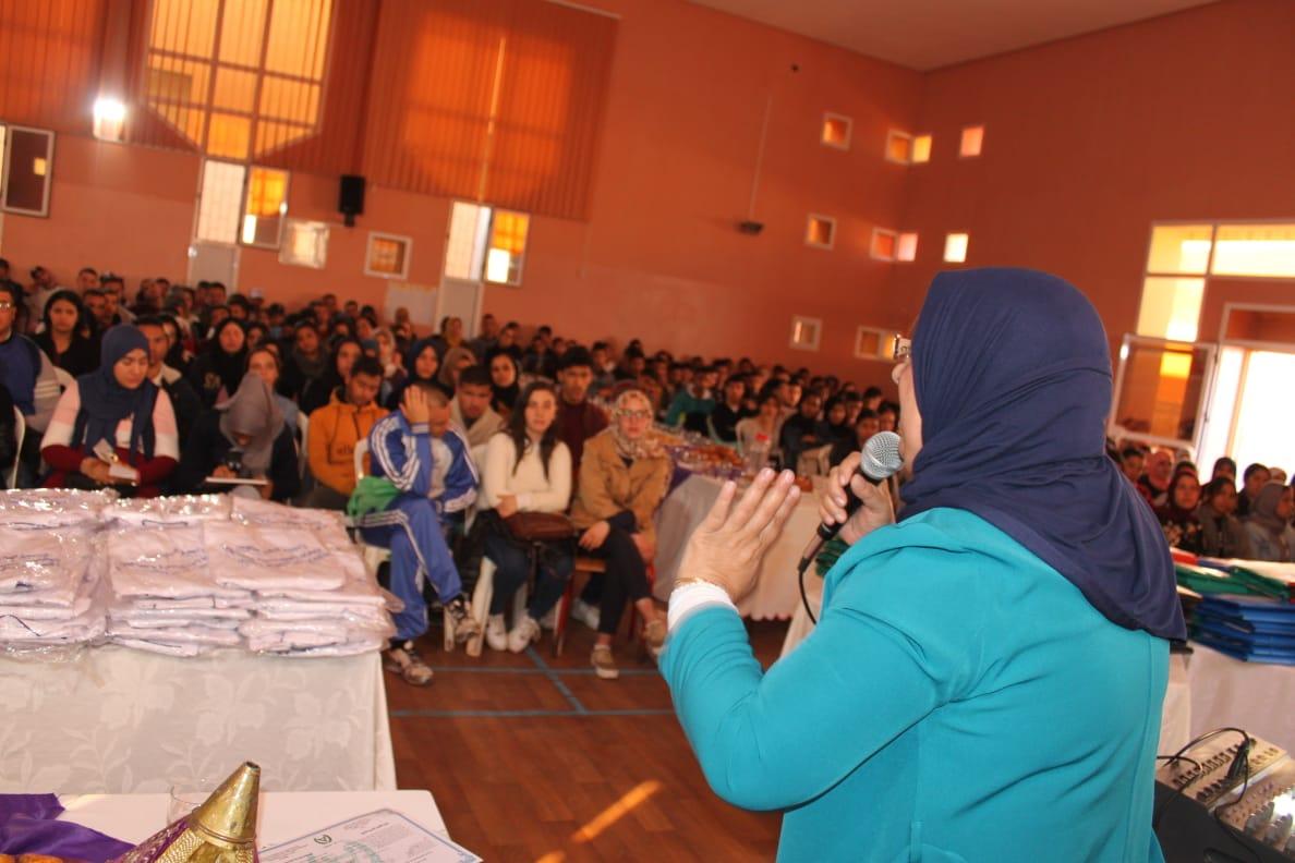 Photo of وجــدة / رئيسة جمعية الشبيبة لذوي الاحتياجات الخاصة تعطي الانطلاق لتكوين أزيد من 500 من متعلمي برنامج الجيل الجديد