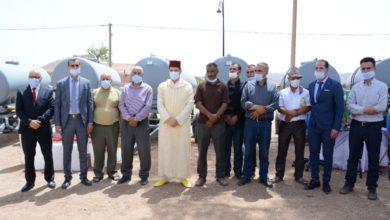 Photo of عامل عمالة جرادة يشرف على تسليم أجهزة ومعدات