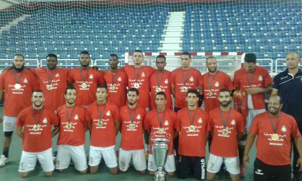 Photo of فريق نادي وداد السمارة يحصل على درع البطولة