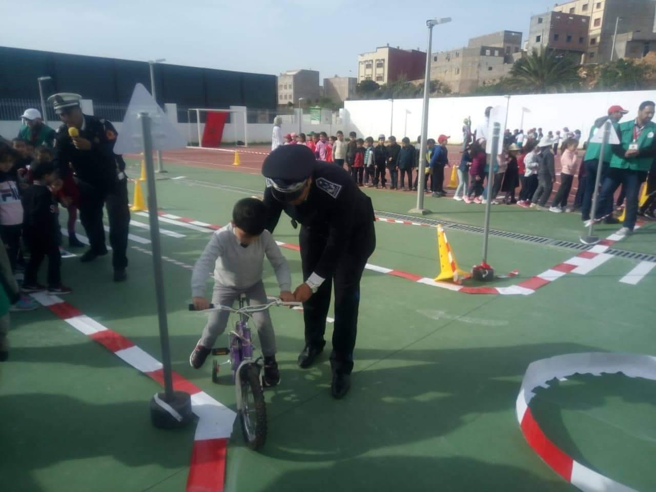 Photo of تلاميذ مجموعة مدارس إلبيليا يخلدون اليوم الوطني للسلامة الطرقية