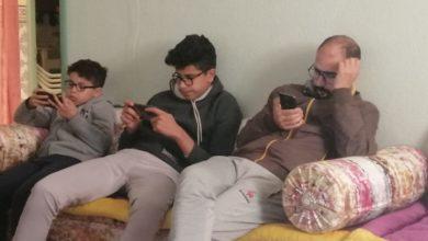 Photo of الهواتف الذكية تزيد من عدد المصابين بقصر النظر