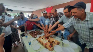 Photo of بركان / لحظات مؤثرة في حفل تكريم مدير المؤسسة و الأساتذة بإعدادية ابن رشد